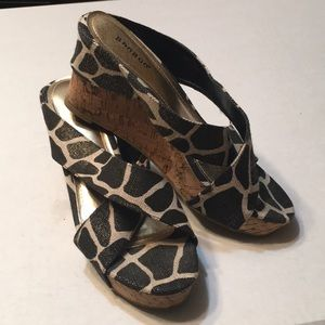 Size 8.5 BAMBOO Wedge Beautiful Sandals